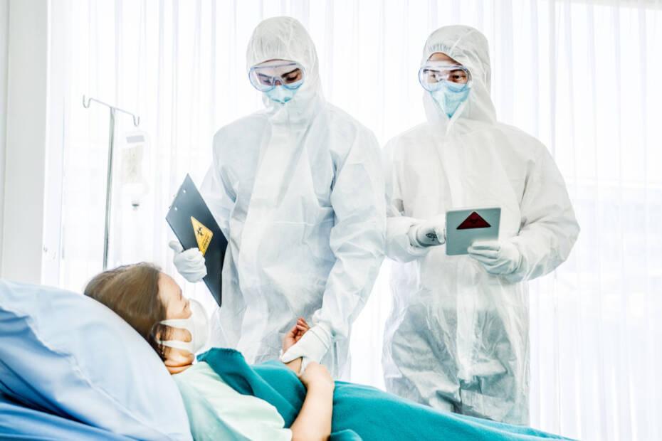 Corona Krankenhaus Schutzanzüge