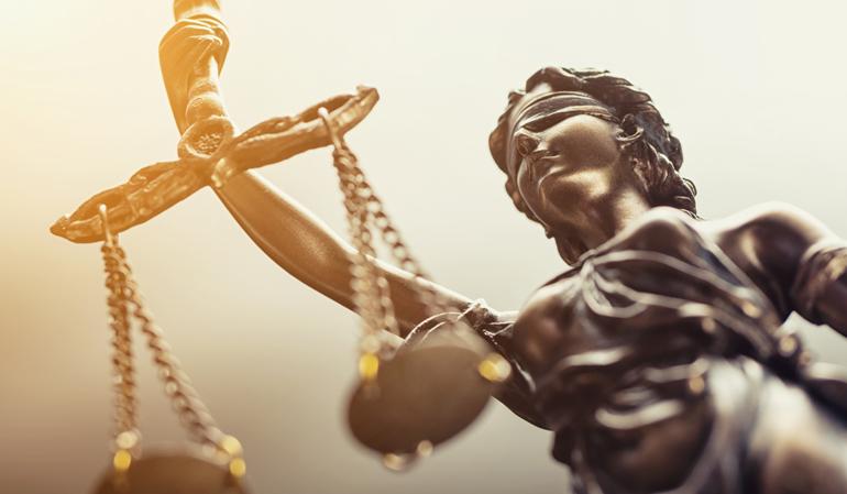 Bronze-Figur-Justitia-Statue-der-Gerechtigkeit