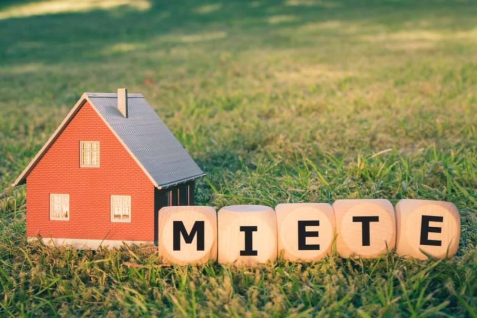 """Haus und Bausteine mit Schriftzug """"Miete"""""""