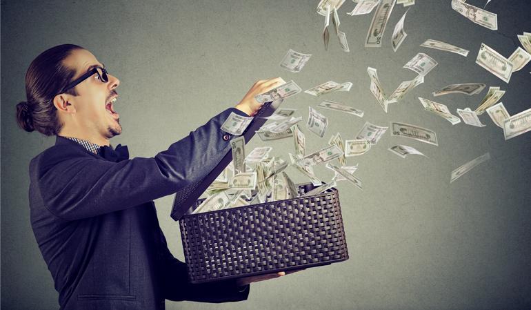Mann-verprasst-Geld