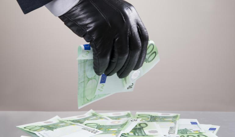Dieb stiehlt Euros