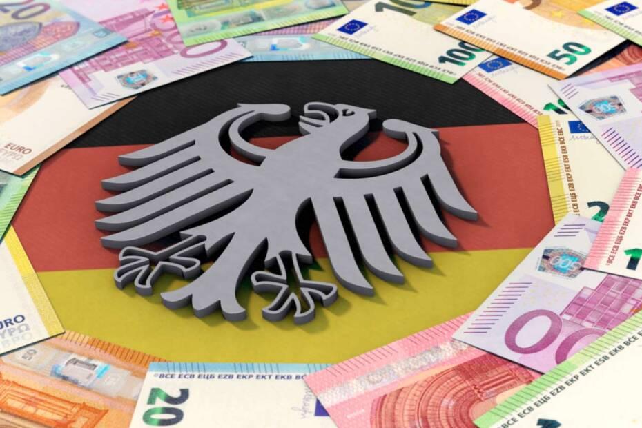 Deutschlandfahne mit Geldscheinen