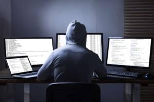 Hacker stiehlt Daten